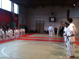 Remise de prix pour le Tournoi d'hiver de judo
