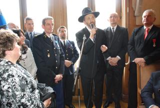 Remise de l'ONM a Moche Lewin, Rabbin du Raincy